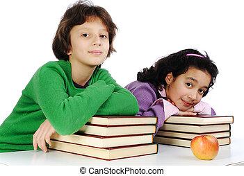 ragazza adolescente, cultura, a, il, scrivania, con, lotto, di, libri