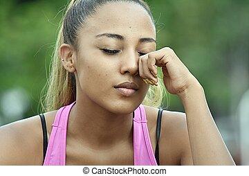 ragazza adolescente, pianto