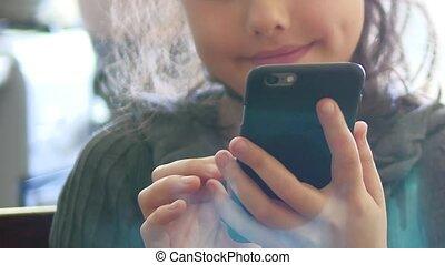 ragazza, adolescente, smartphone, telefono, gioco, sito web,...