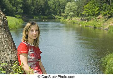 ragazza, banca fiume