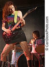 ragazza, gruppo rock
