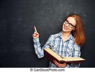 ragazza, libro, occhiali, vuoto, lavagna, felice, studente