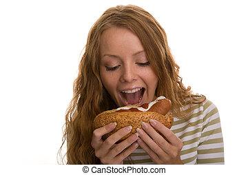 ragazza, mangiare, hot dog