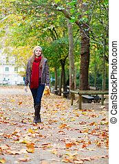 ragazza, parco, camminare