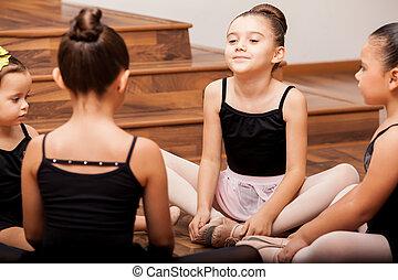 ragazze, scaldata, in, ballo, classe