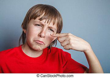 ragazzo, adolescente, dodici, anni, in, uno, camicia rossa,...