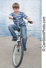 ragazzo, bicicletta
