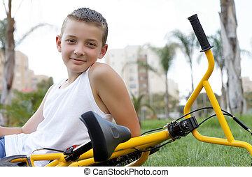 ragazzo, bicicletta, seduta
