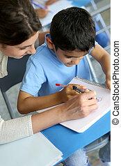 ragazzo, giovane, scrittura, porzione, lezione, insegnante