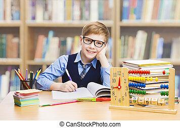 ragazzo, libri scuola, studiare, occhiali, poco, educazione, studente, bambino, abbaco, capretto