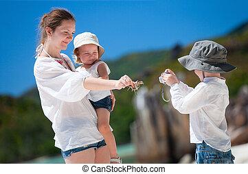 ragazzo, suo, fotografare, famiglia
