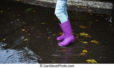 rainboots, an, der, pfütze