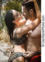 rainforest, ロマンチックな カップル, 接吻