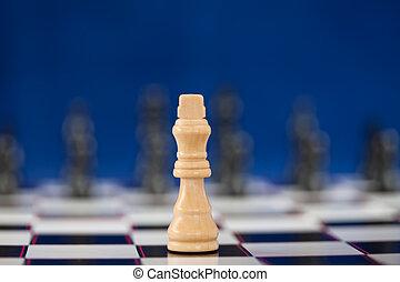 rainha branca, ficar, em, a, chessboard, enquanto, pretas, uns, ficar