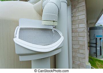Rainwater tank - Rainwater running off roof into rainwater...