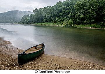 Rainy Day on Buffalo River - Loney canoe trip on the bufflao...