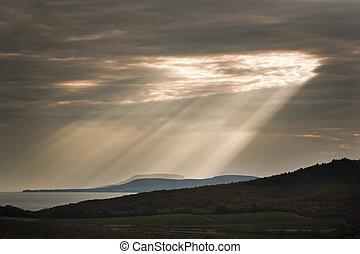 raio sol, sobre, lago