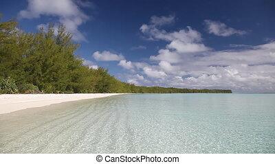 Raivavae - Lonely Beach on Raivavae Lagoon in French...
