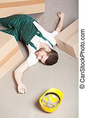 raktárépület, sebesült, munkás, fekvő, emelet