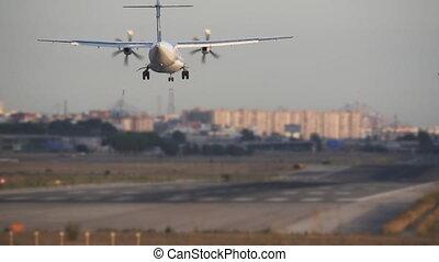 ralenti, atterrissage, avion, hélice, super, vue postérieure