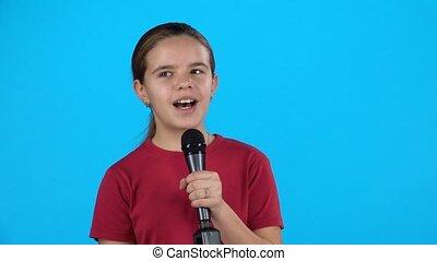 ralenti, enfantqui commence à marcher, microphone., mignon