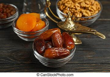 ramadan, kareem, lebensmittel, und, dekoration, auf, holztisch, closeup