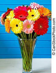 ramo, florero de vidrio, gerbera daisy