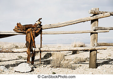 ranch, -, pferdesattel, auf, zaun