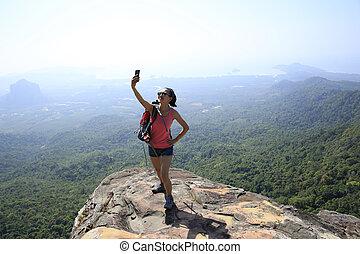 randonneur, photo, prendre, intelligent, téléphone