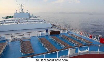 rangées, pont, sommet, deckchairs, bateau croisière