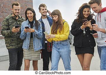 rang, jeunes, utilisation, leur, téléphones, intelligent