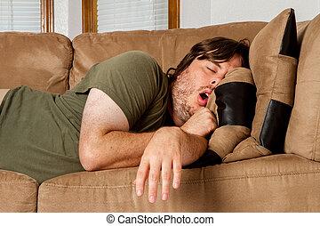 rapidamente, levando, homem, sesta, sofá