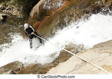rappelling, cascada, canyoning, aventura
