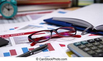rapport, début, stylo, haut, lunettes