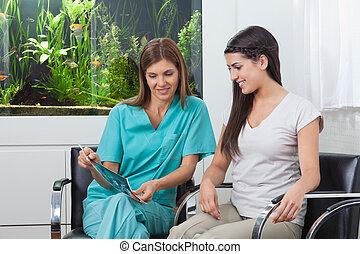 rapport, visande, kvinna, tandläkare, röntga