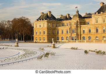 Rare snowy day in Paris. Lots of snow in the Luxembourg Garden