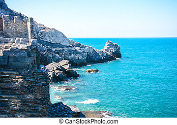byron cliff in italy