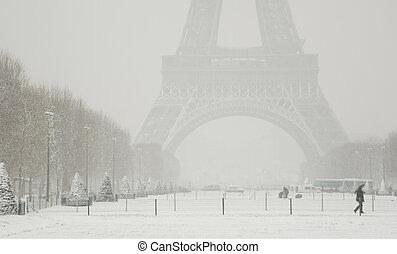 raro, nevoso, día, en, paris., brumoso, torre eiffel,...