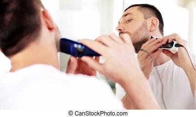 rasage, salle bains, homme, barbe, chevêtre
