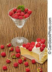 Rasberry cheesecake with fresh rasberries