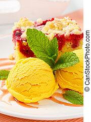 Raspberry cake with ice-cream - Piece of raspberry crumb...