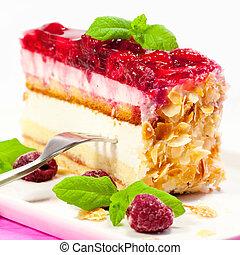 Raspberry cake with mint