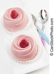 Raspberry mousse dessert