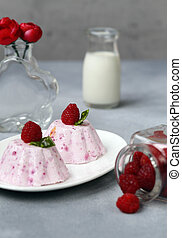 raspberry souffle cake with fresh berries