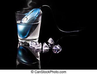 ratón, en, taza, con, agua caliente