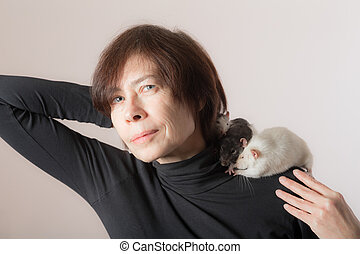 rats on the shoulder