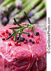 rauwe biefstuk, met, asperges, op, hout