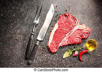 rauwe biefstuk, vers vlees, t-benen uit