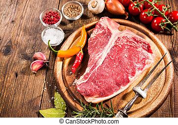 rauwe, vers vlees, t-benen biefstuk uit