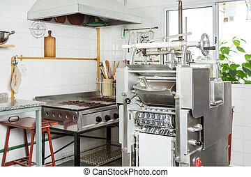 ravioli, teigwaren- maschine, in, kommerzielle küche